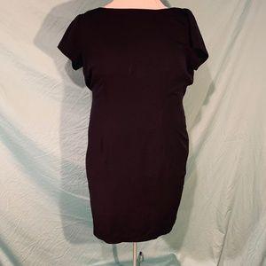 Jennifer James Black sheath dress 18